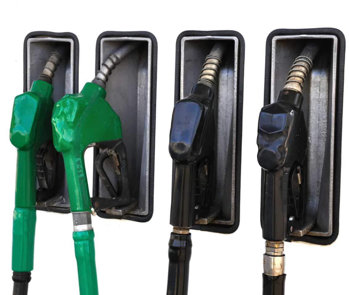 Carburanții s-au ieftinit, prețurile alimentelor nu scad