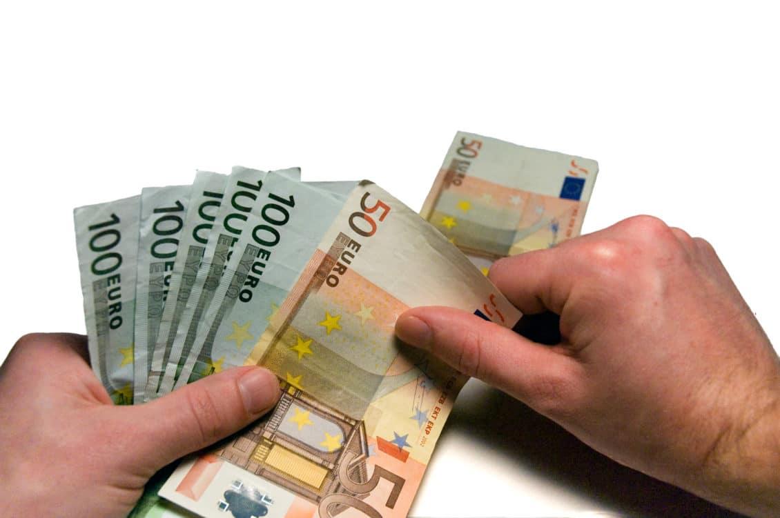APIA:  Până  pe 31 octombrie se efectuează plata celei de-a doua tranșe din renta viageră