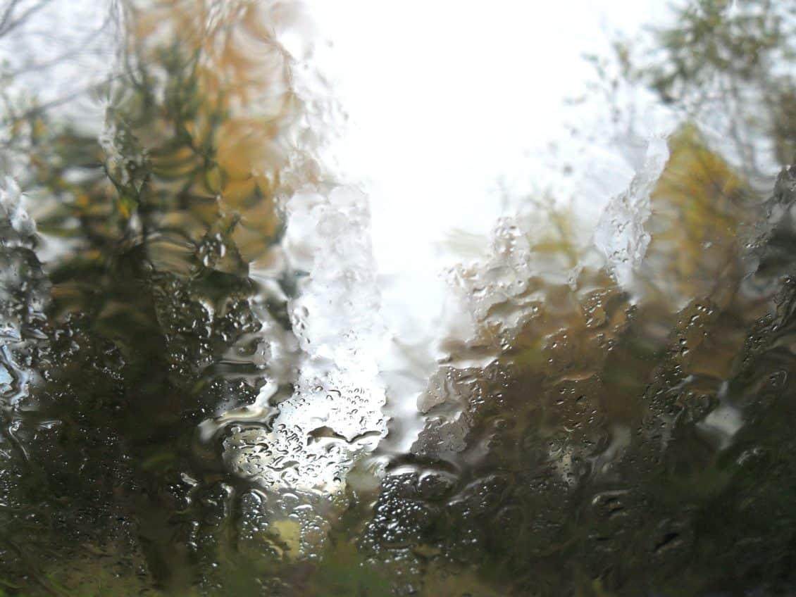 ANM: Vremea se încălzește, iar cantitățile de precipitații vor fi excedentare în următoarele trei luni