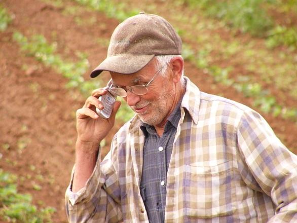 """""""Adoptă un țăran"""", campanie pornită de brașoveni pentru salvarea producătorilor din mediul rural"""