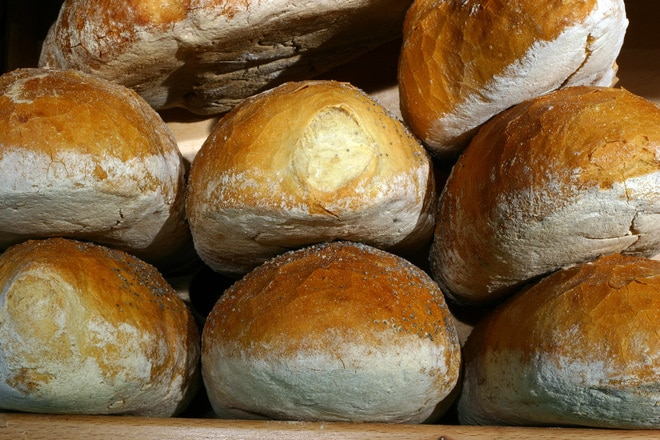 Studiu: 96% din pâinea feliată nu respectă rețeta tradițională