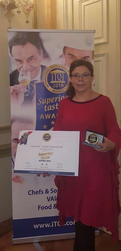 Produse româneşti, premiate la Bruxelles. Uleiul de nucă Luna Solai-premiu special