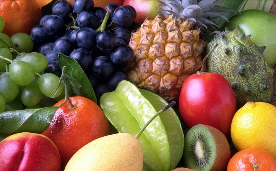 Românii au mâncat fructe și cartofi la prețuri mai mici