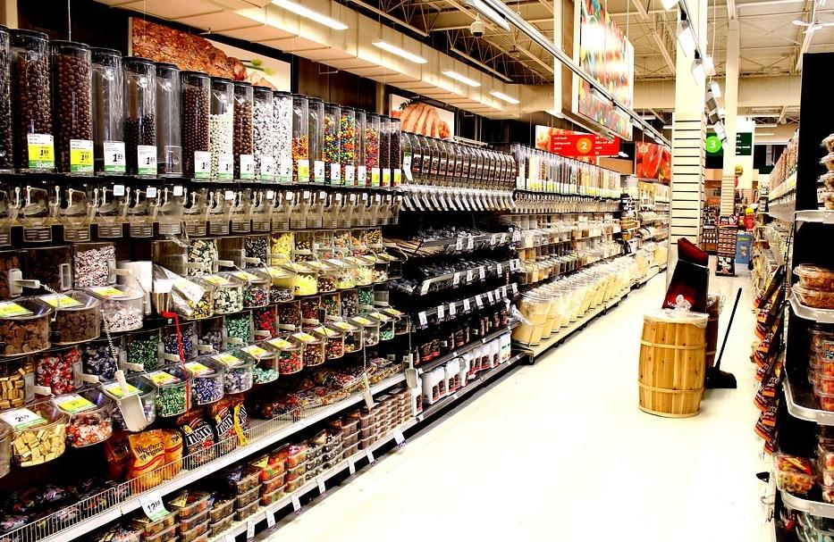 Agriculturii sunt în concurenţă cu marile magazine